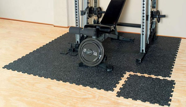 karet gym tile